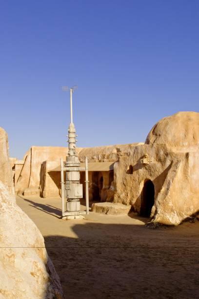 Eine Attraktion, die vor dem Sand der Sahara geschützt werden muss