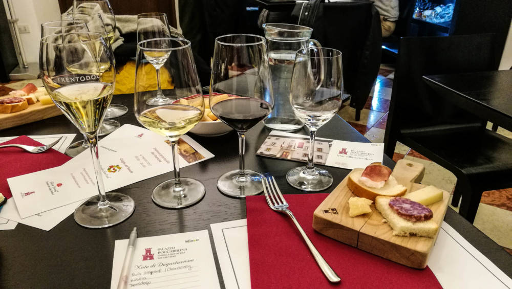Weinprobe im Palazzo Roccabruna