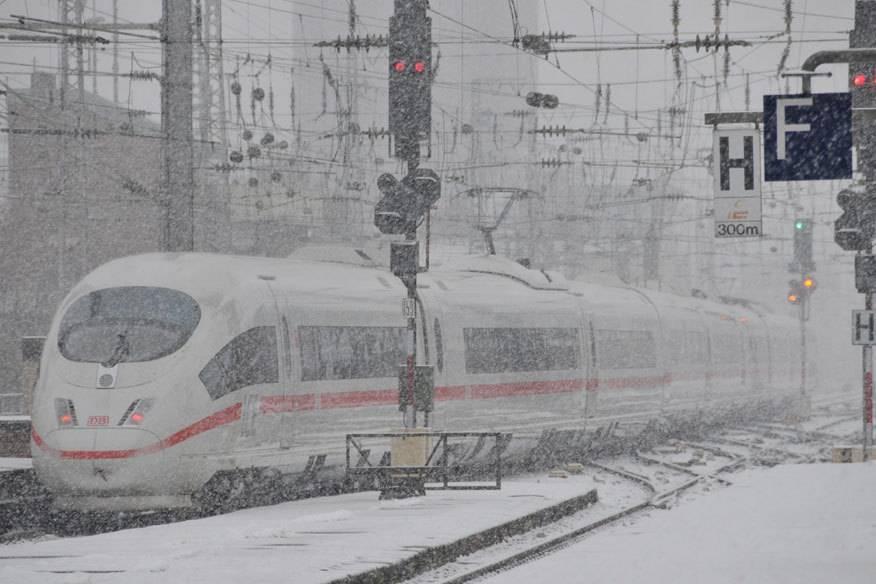 In den vergangenen Jahren mussten Bahnreiesende vor allem in den Wintermonaten viel Geduld mitbringen