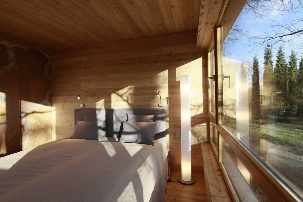 die 24 sch nsten baumhaushotels in deutschland travelbook. Black Bedroom Furniture Sets. Home Design Ideas