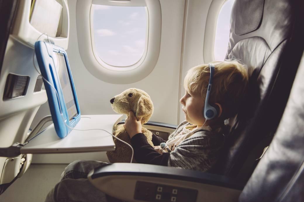 Kind, Flugzeug