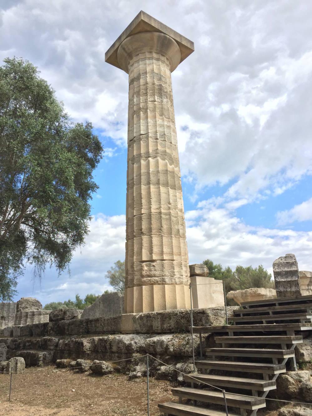 Säule des Zeus-Tempels Griechenland
