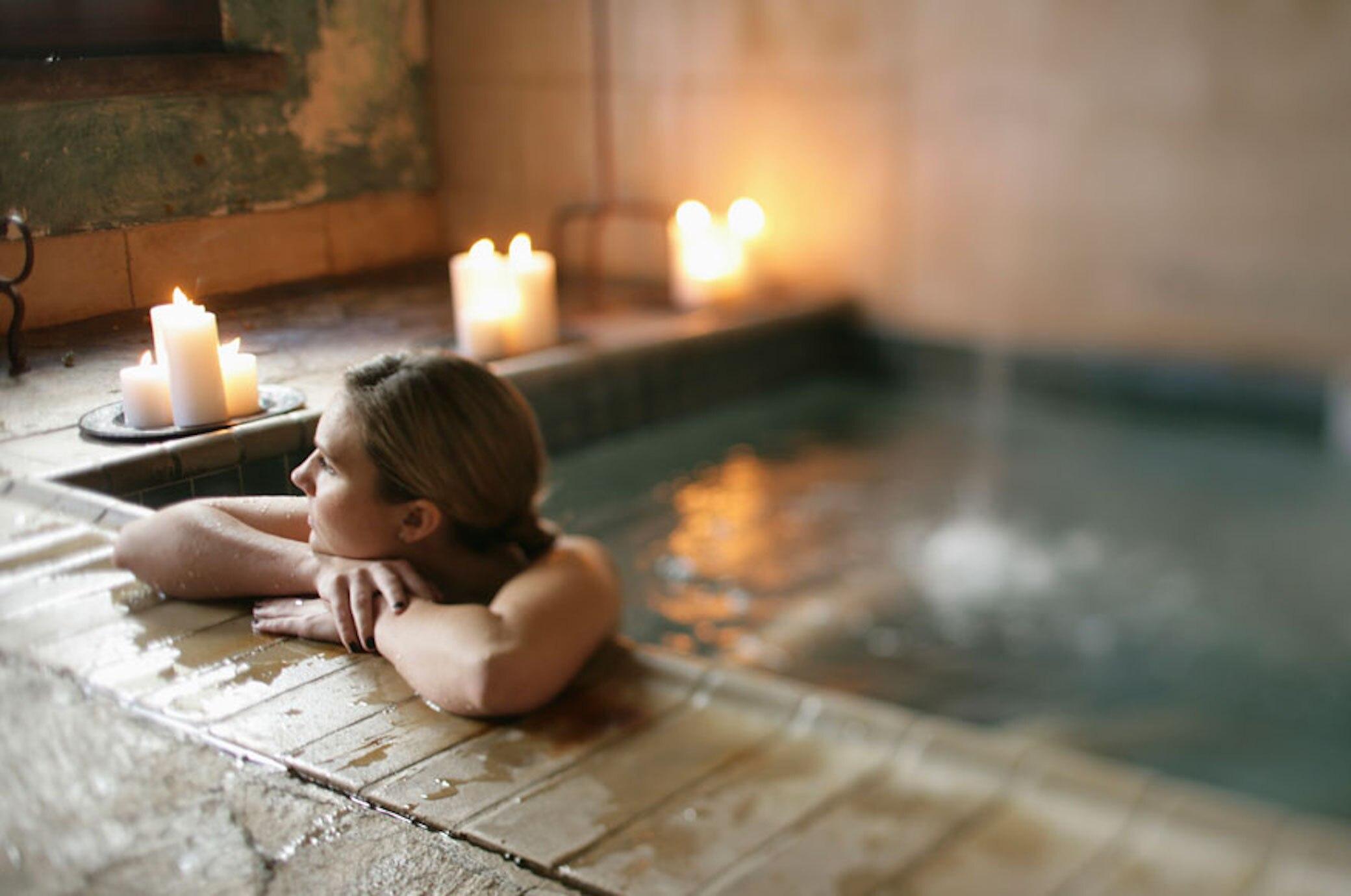 die 31 sch nsten wellness hotels spas thermen travelbook. Black Bedroom Furniture Sets. Home Design Ideas