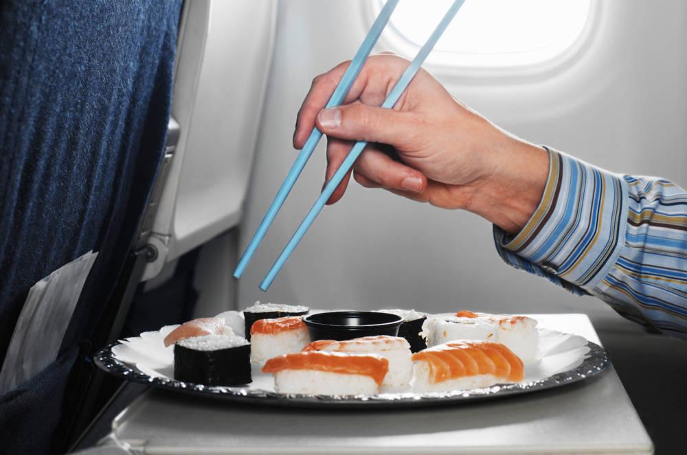 Sushi-Bordmenü im Flugzeug