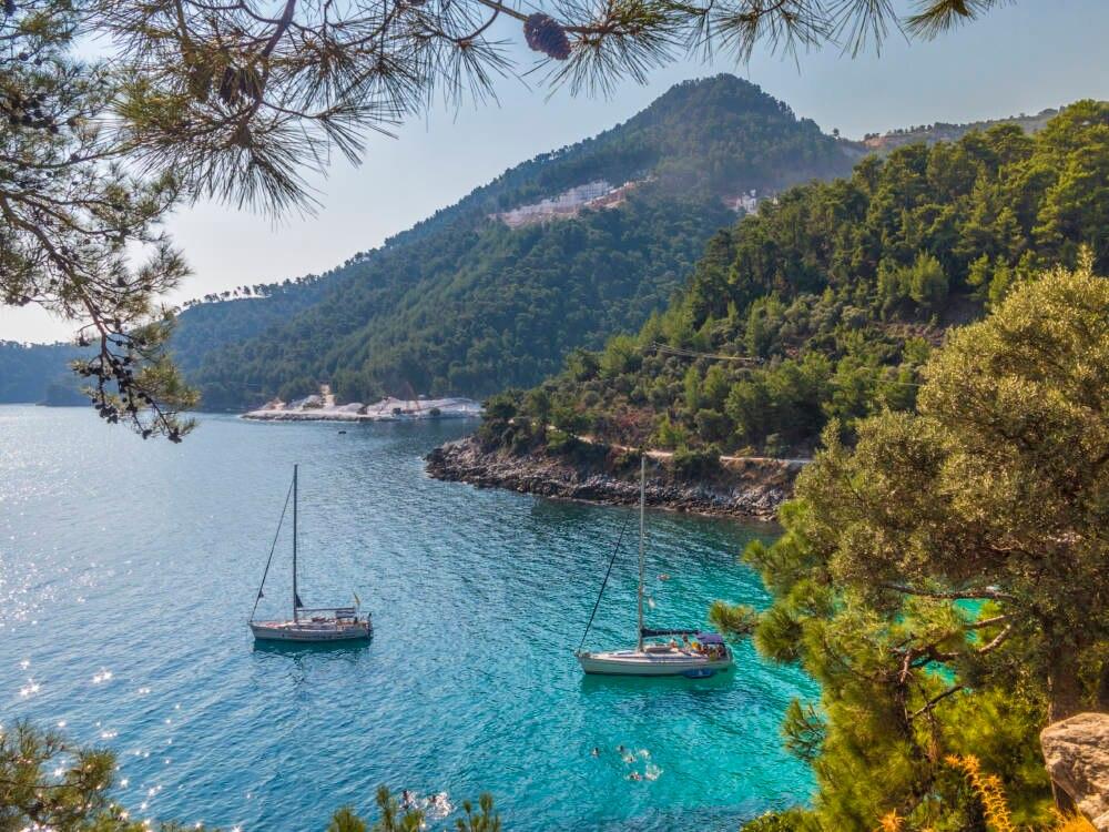 In Griechenland lässt sich gut die Sonne genießen, aber die wirtschaftlich problematische Lage wird von Auswanderern kritisch bewertet