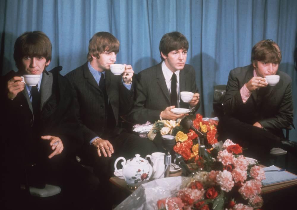 Die Beatles trinken Tee
