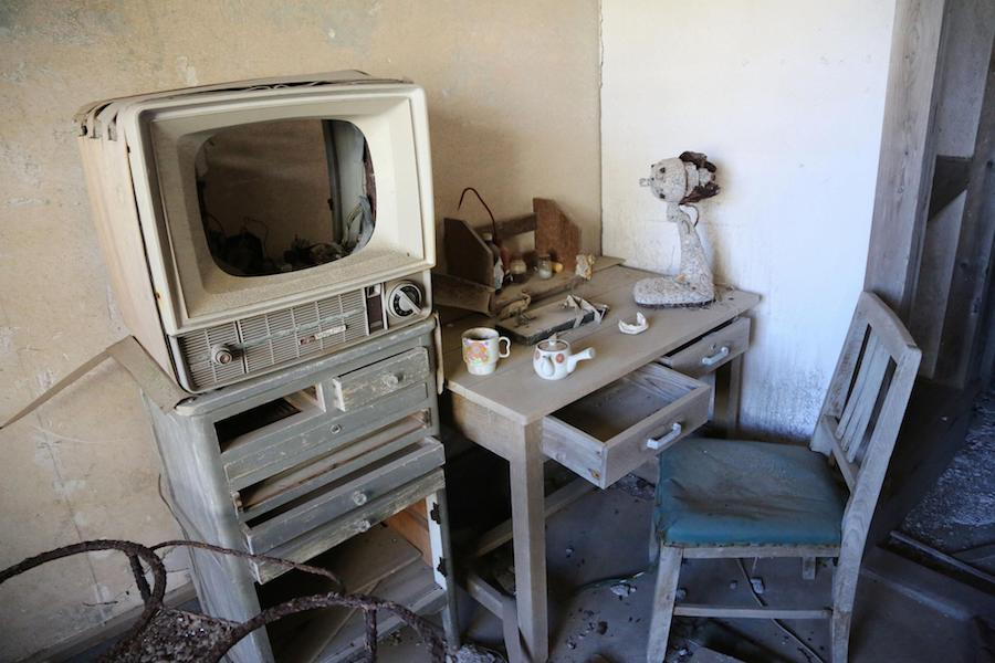 Fluchtartig verlassen: eine Wohnung auf Hashima