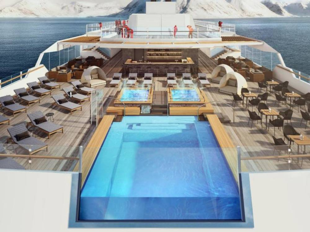 Pool auf der Roald Amundsen