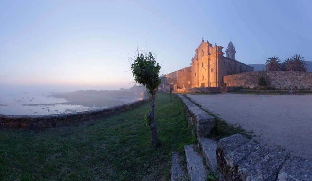 Das Kloster Santa Maria de Oia