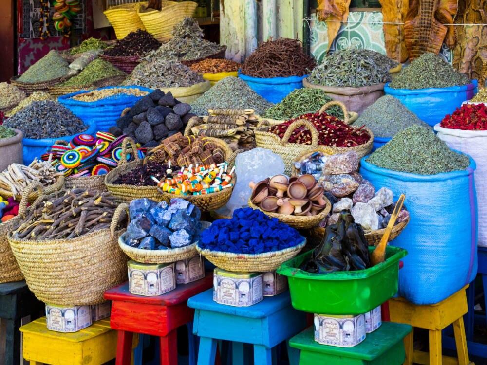 Bunter Markt in Marokko