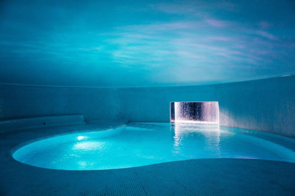 Unterirdischer Pool