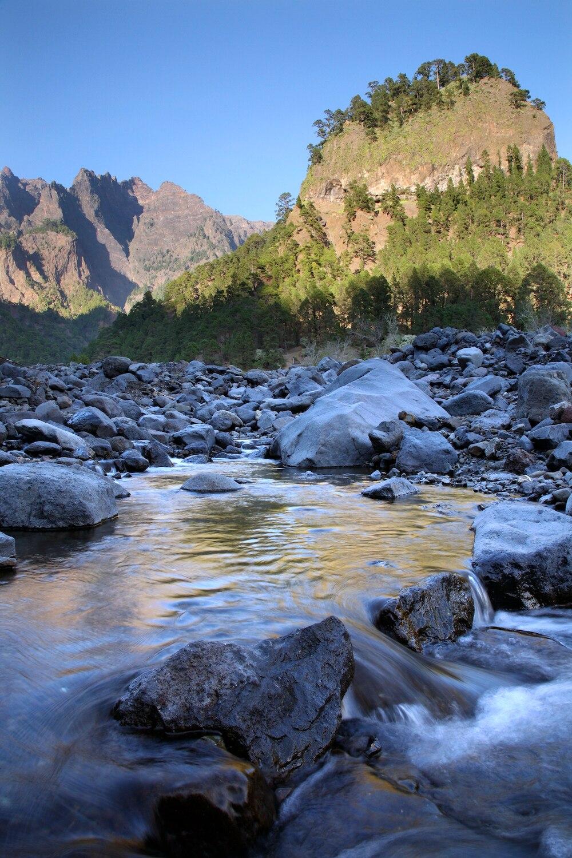 Kanarische Inseln: La Palma, Der Barranco de las Angustias in der Caldera de Taburiente