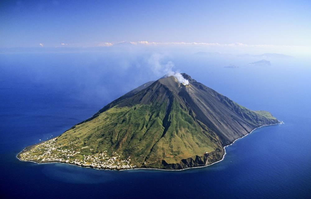 Vulkane Der Erde Karte.13 Der Aktivsten Vulkane Der Welt Travelbook