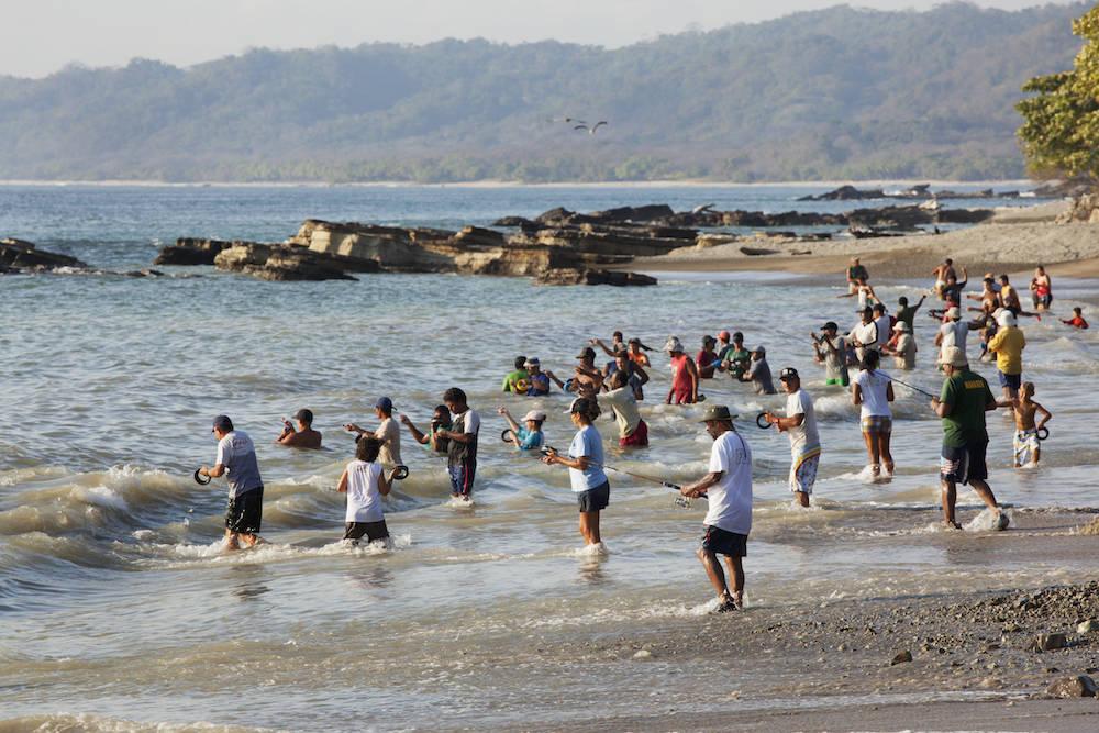 Menschen fischen in Malpais