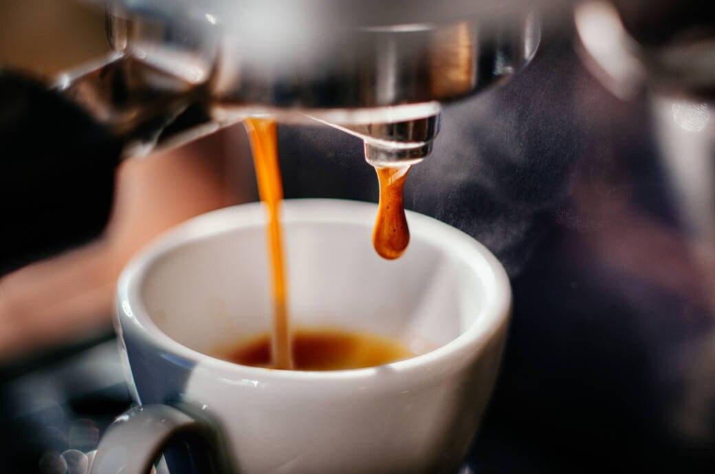 espresso selbst zubereiten die wichtigsten tipps travelbook. Black Bedroom Furniture Sets. Home Design Ideas