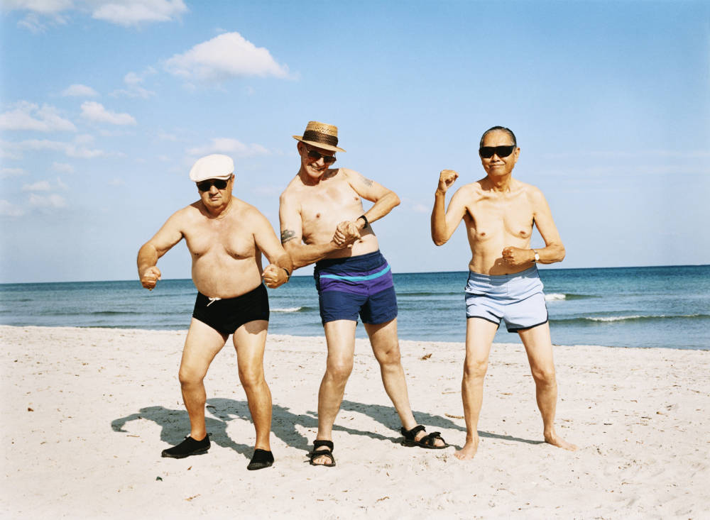 ältere Herren am Strand