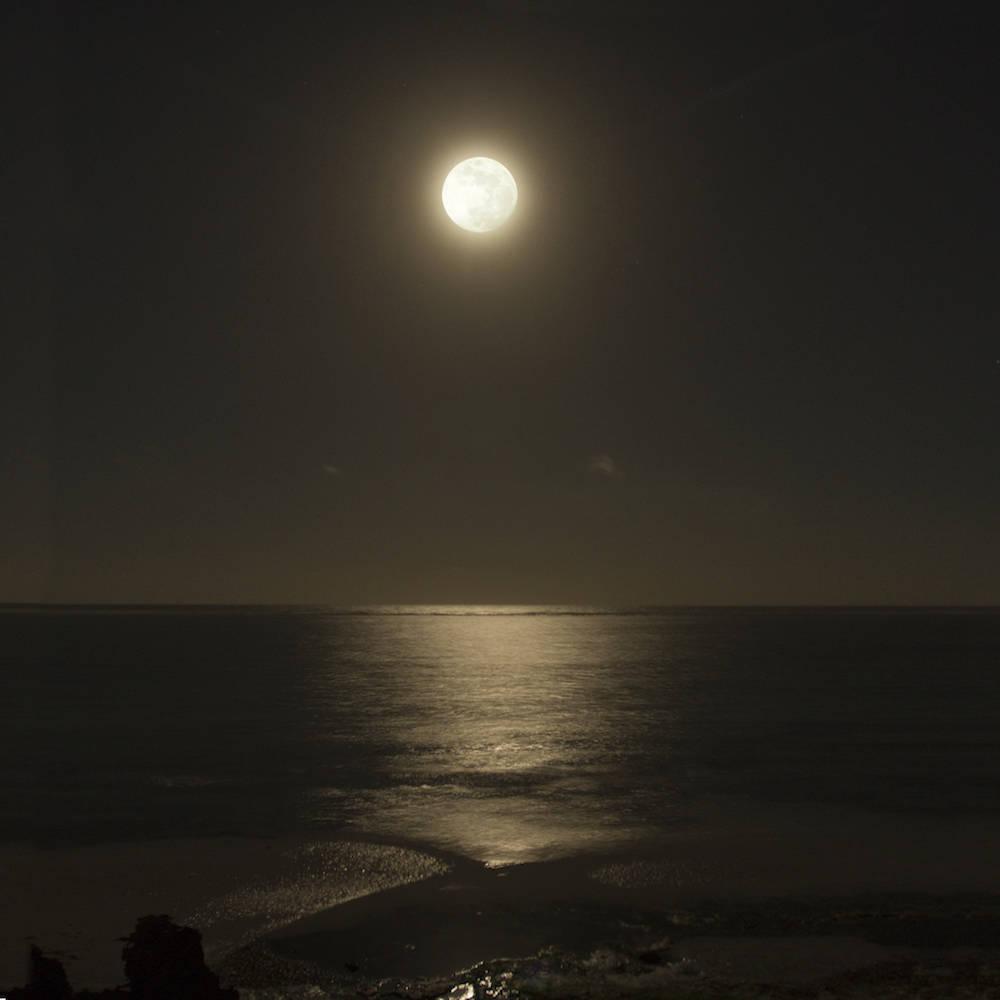 Die Alternative zum Sonnenuntergang: ein Mondaufgang
