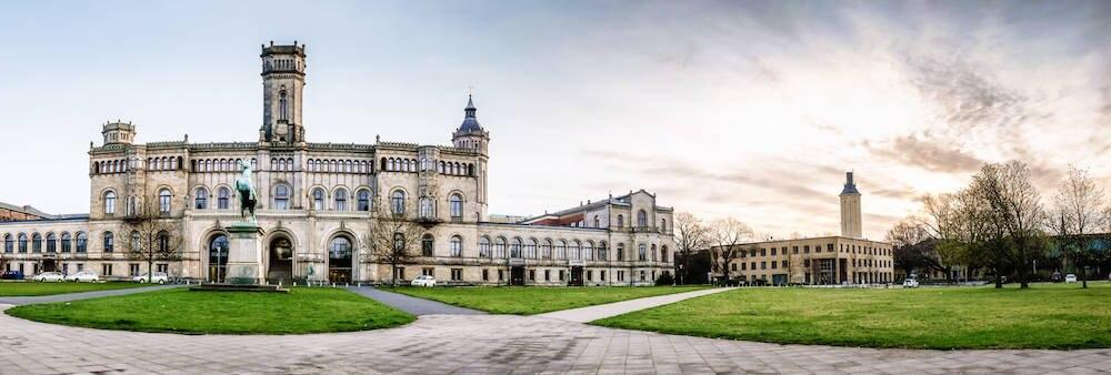 Nicht nur für Studenten: die Leibniz-Universität Hannover mit dem Welfenschloss