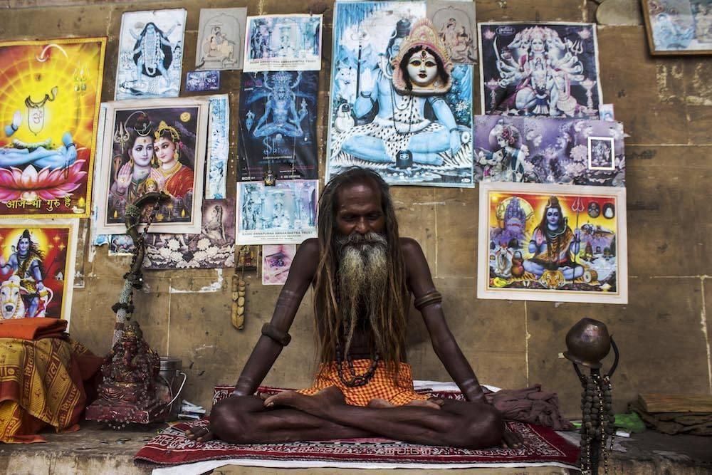Nach Varanasi kommen die Menschen, um auf den Tod zu warten
