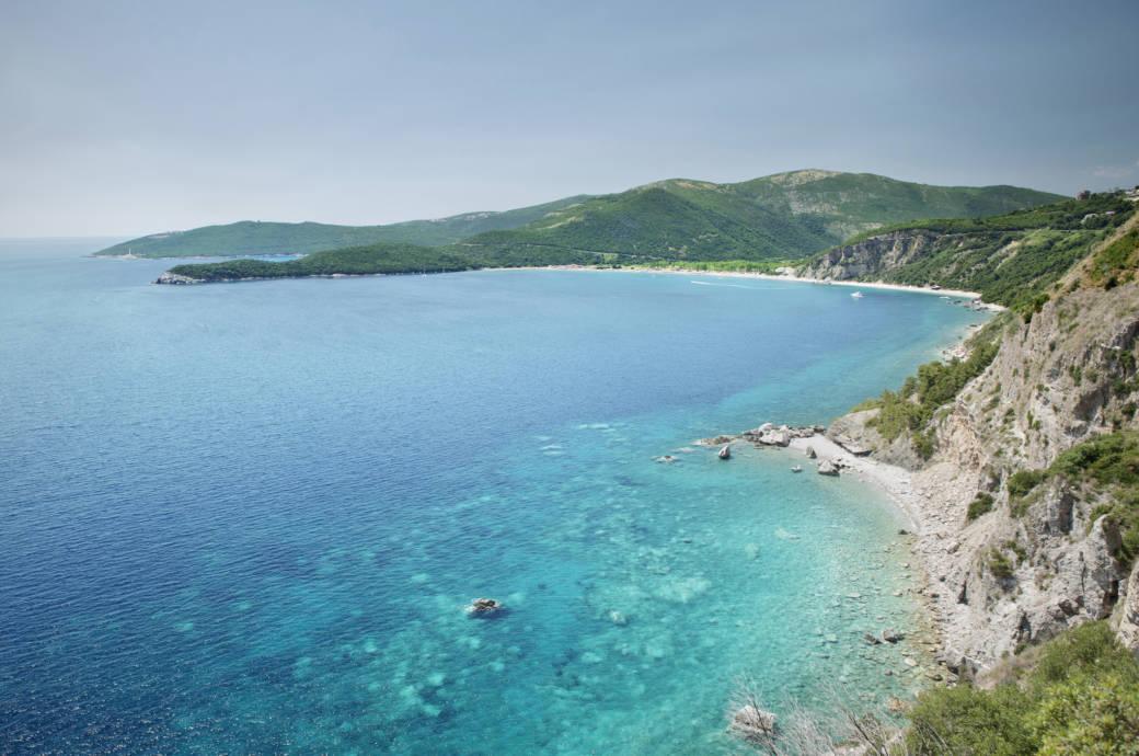 Die wunderschöne Küste bei Budva in Montenegro
