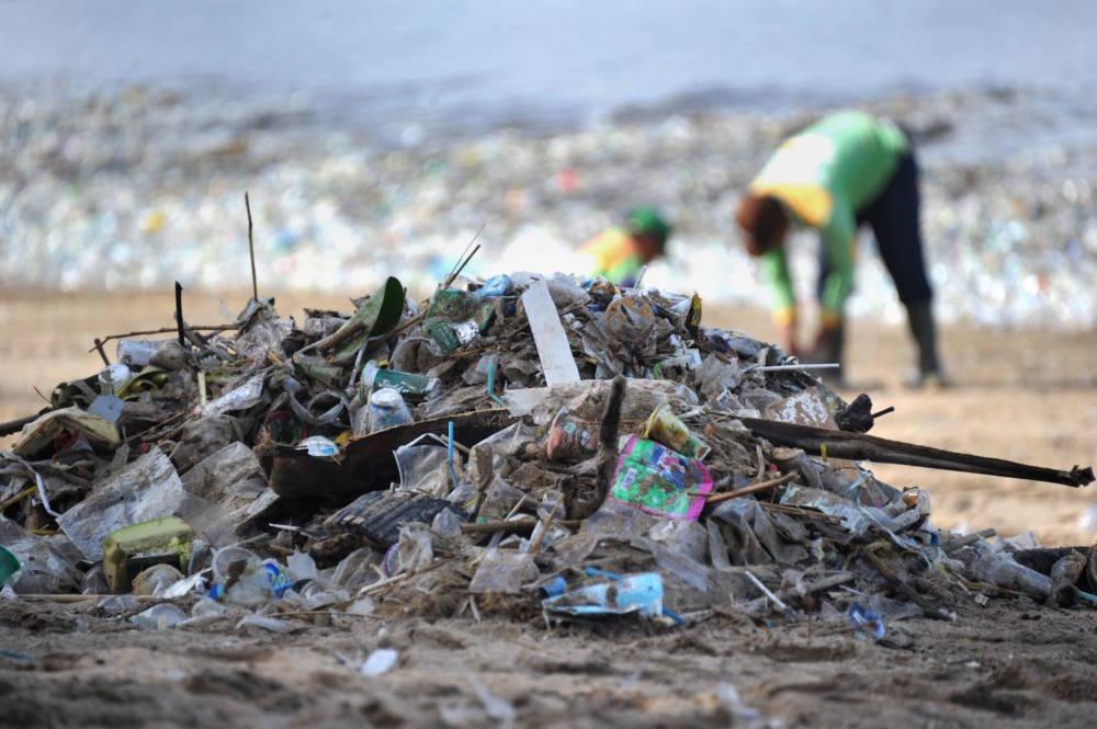 Kuta Beach Bali, Müll