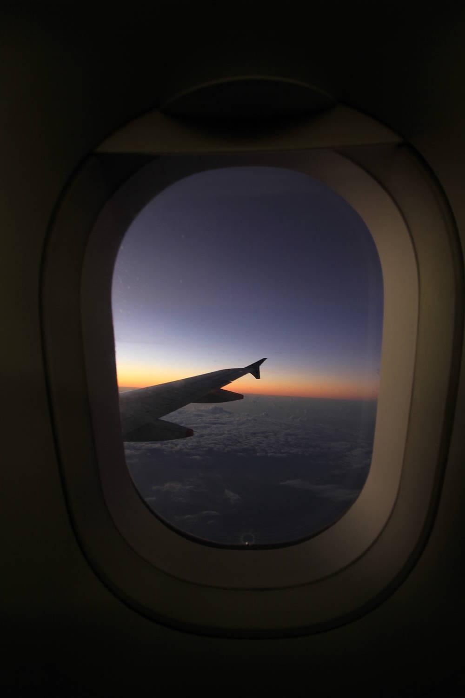 Darum Kann Man Aus Einem Flugzeugfenster Keine Sterne Sehen Travelbook