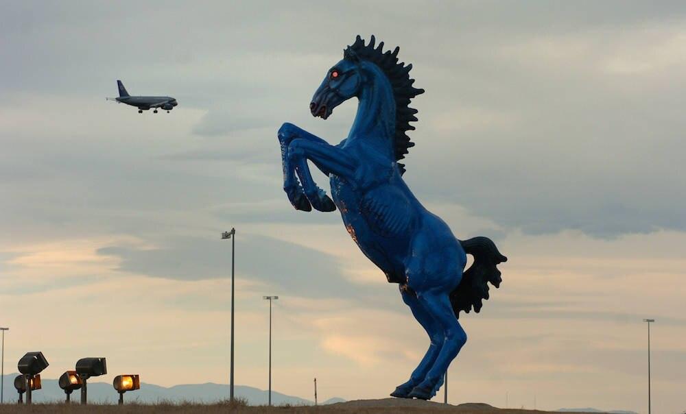 Mustang, Flughafen Denver