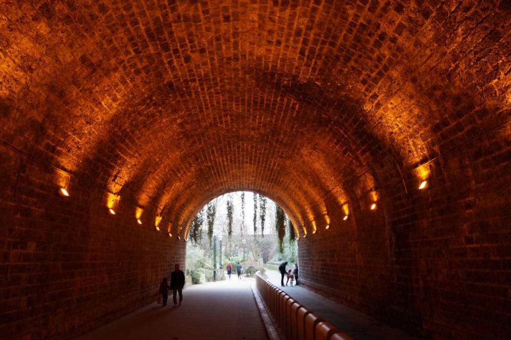 In den Tunneln der Coulée Verte