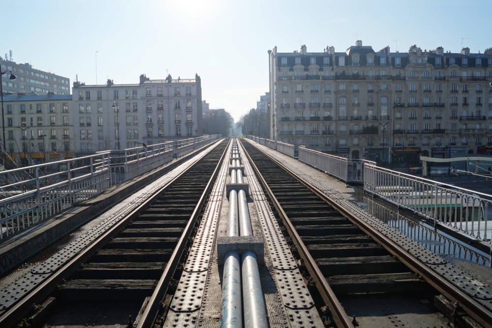 Mitten durch Paris