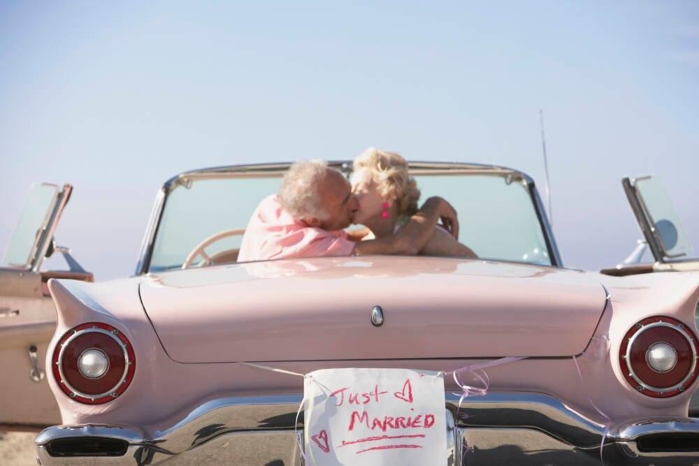 Altes Paar heiratet in Las Vegas
