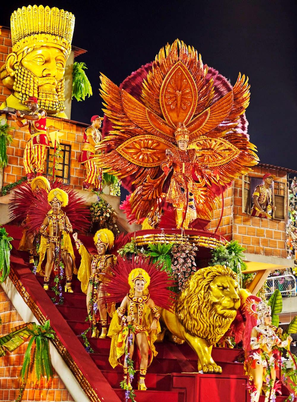 Bunt ist der Karneval in Rio immer