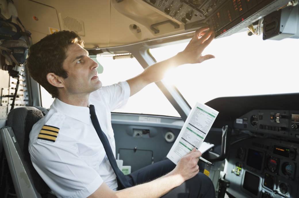 Pilot Uniform Streifen