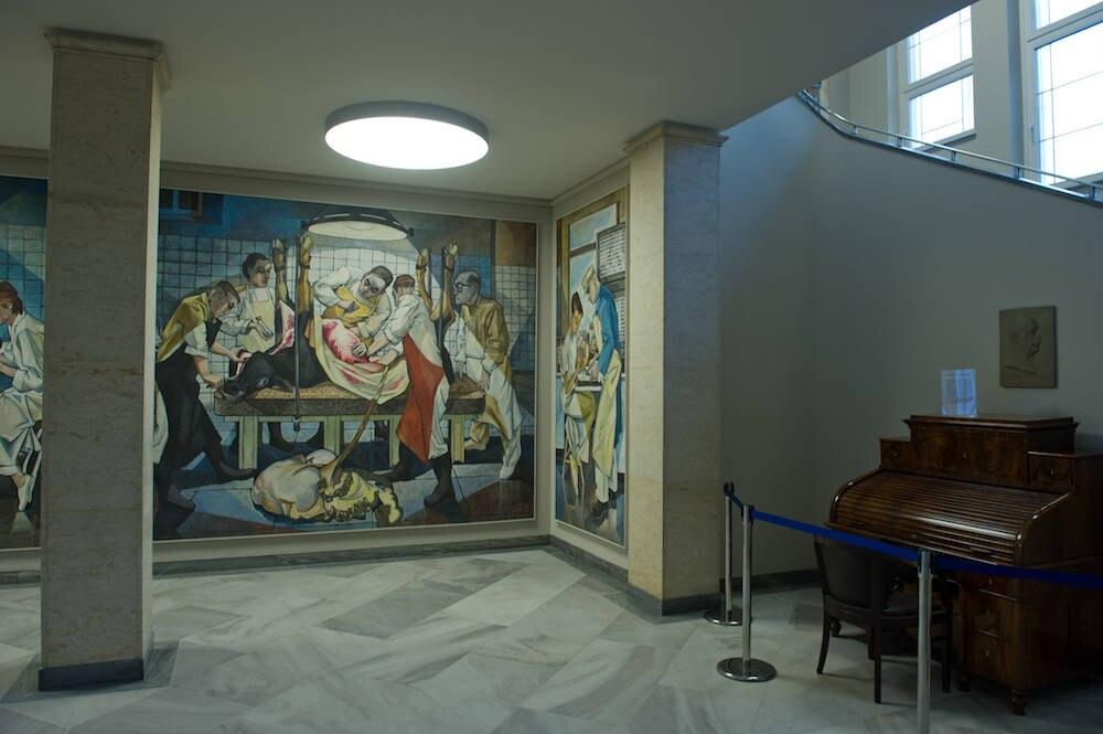 """Friedrich-Loeffler-Institut: """"Sektion eines Versuchsrinds"""" des Malers Hans Neubert"""