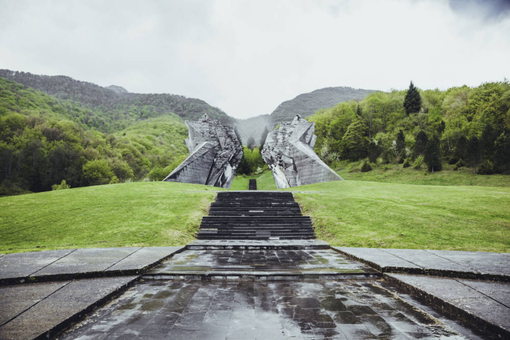 Das Tjentiste War Memorial im Sutjeska-Nationalpark