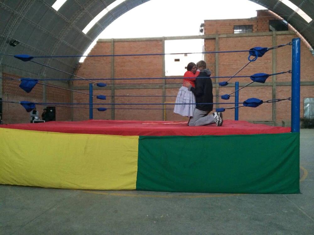 La Paz Wrestling Kuss