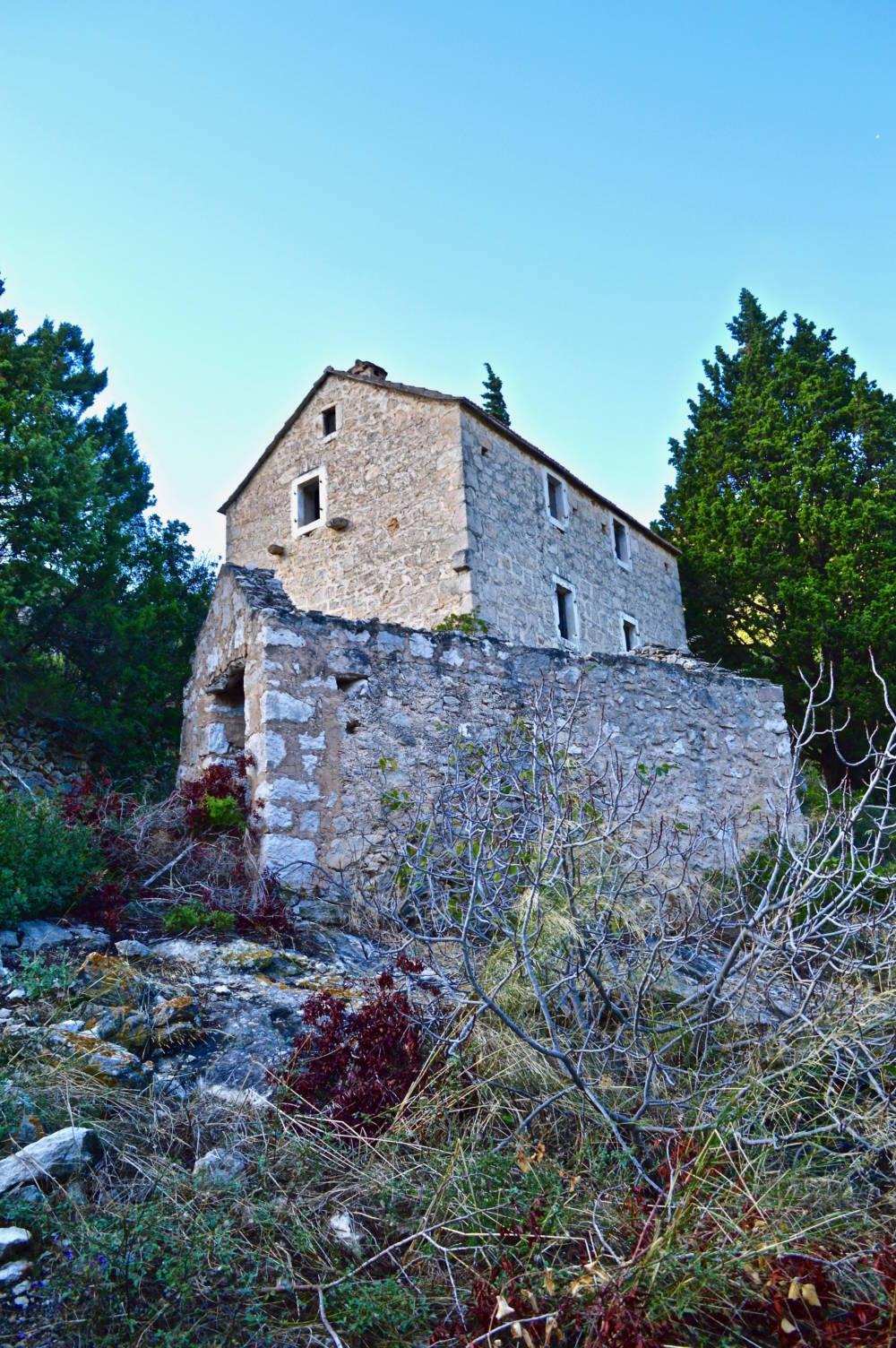 Warum alle Bewohner dieses kroatische Dorf verlassen haben