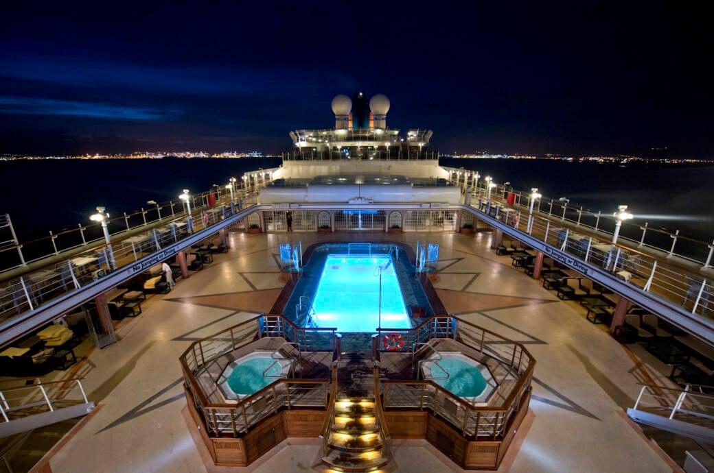 Pool auf dem Kreuzfahrtschiff Cunard's Queen Victoria
