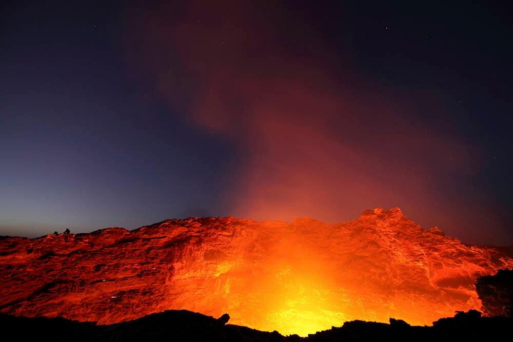 Kessel des Vulkans Erta Ale in der Danakil-Wüste