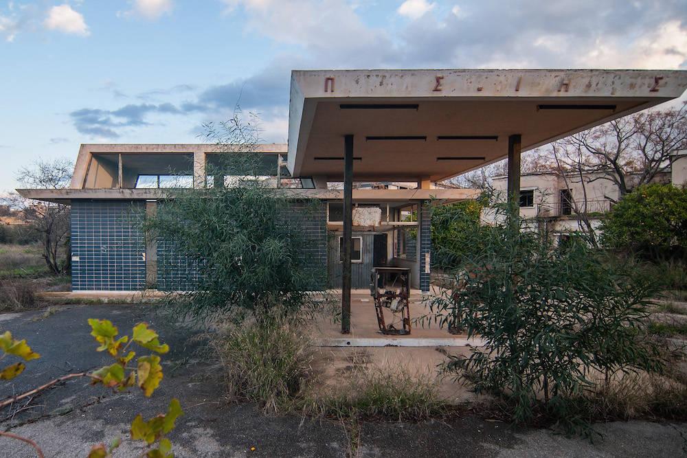 Eine verlassene Tankstelle in Varosha