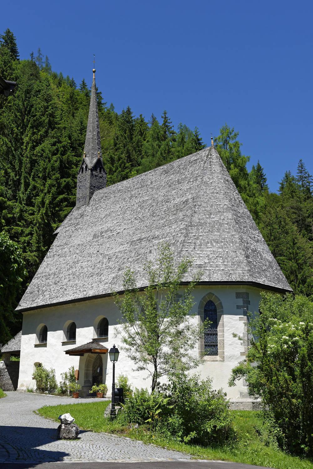 Die Wallfahrtskirche St. Adolari in St. Ulrich am Pillersee