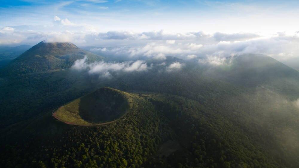 Die Chaîne des Puys in Zentralfrankreich