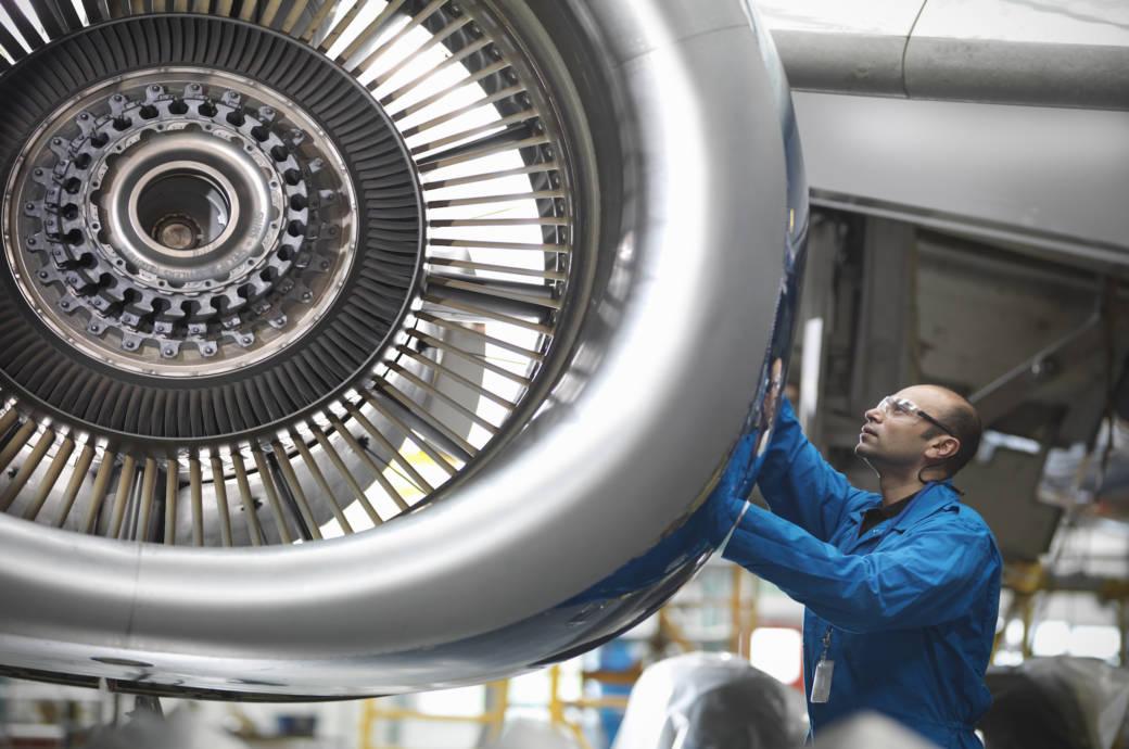 Inspektion einer Flugzeug-Turbine