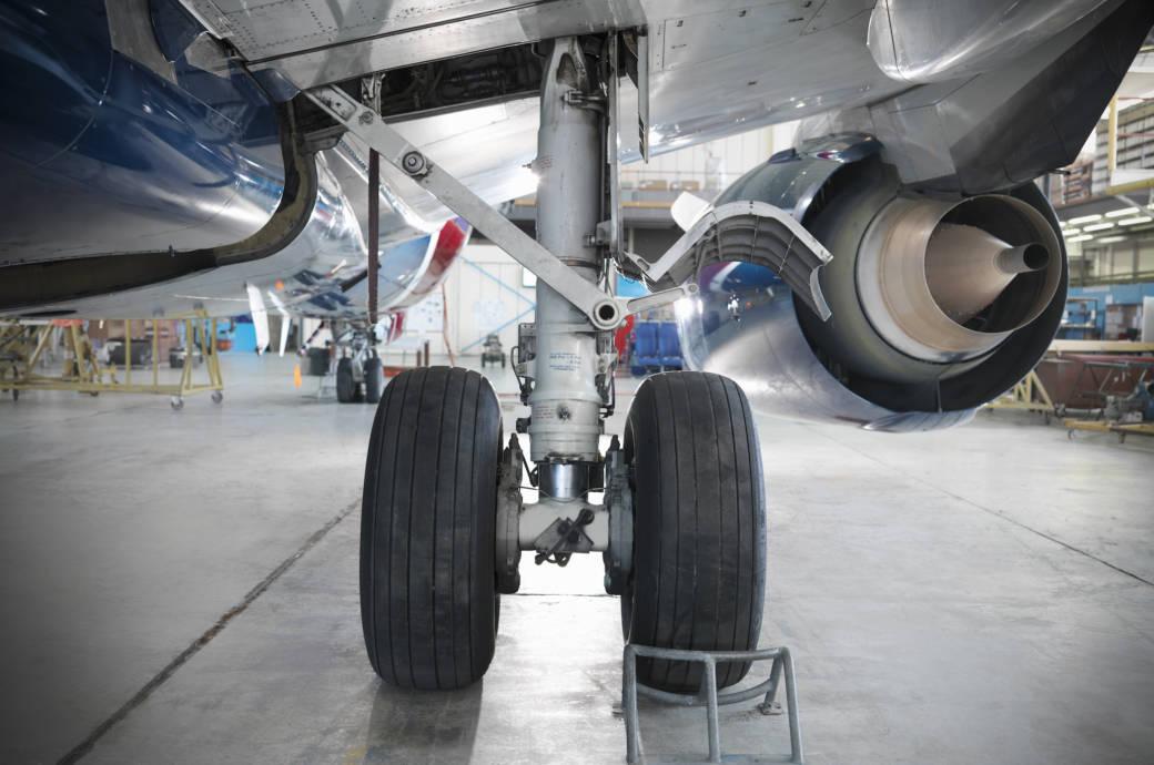 Können Flugzeuge auch ohne Fahrwerke landen? | TRAVELBOOK