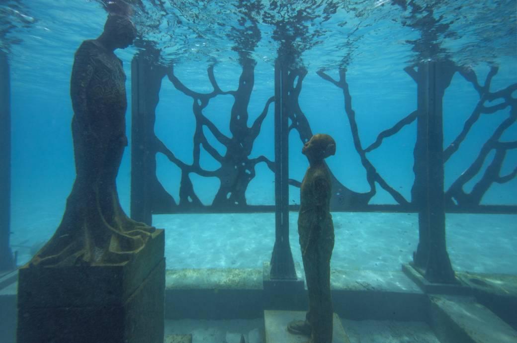Skulpturen im Unterwasser-Museum Coralarium