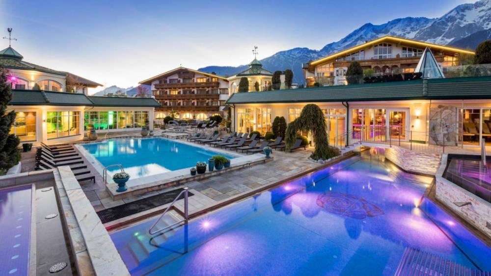 wellness heaven die 15 besten wellnesshotels in europa travelbook. Black Bedroom Furniture Sets. Home Design Ideas