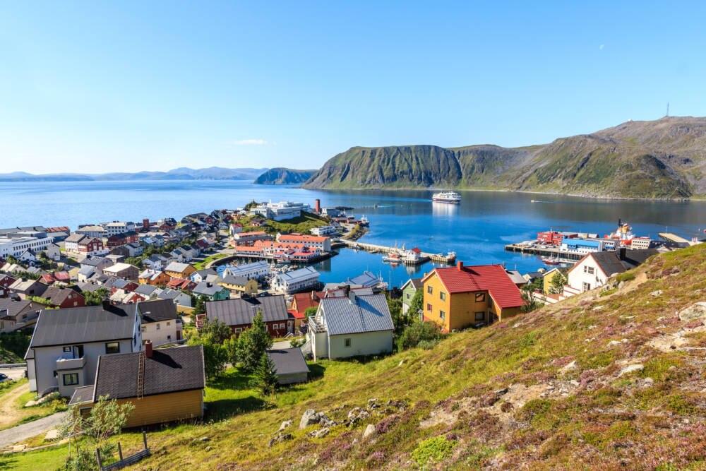 Sieht genauso betulich aus, wie es ist: Die Stadt Honningsvåg in Norwegen