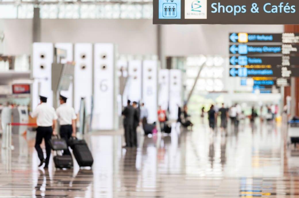 Flughafen mit Passagieren
