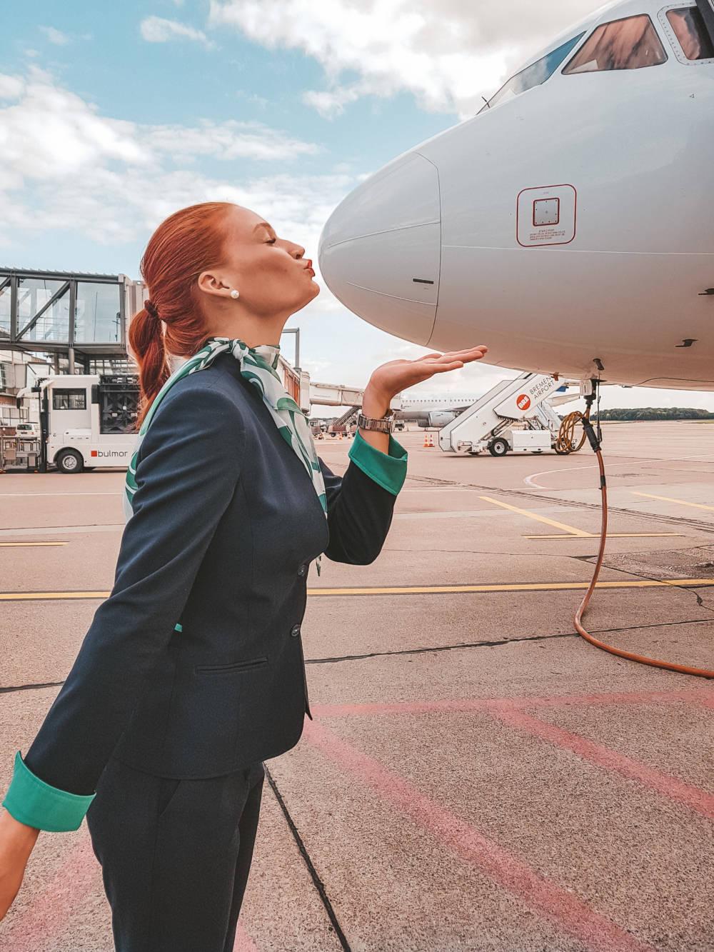 Jana ist Flugbegleiterin bei Germania