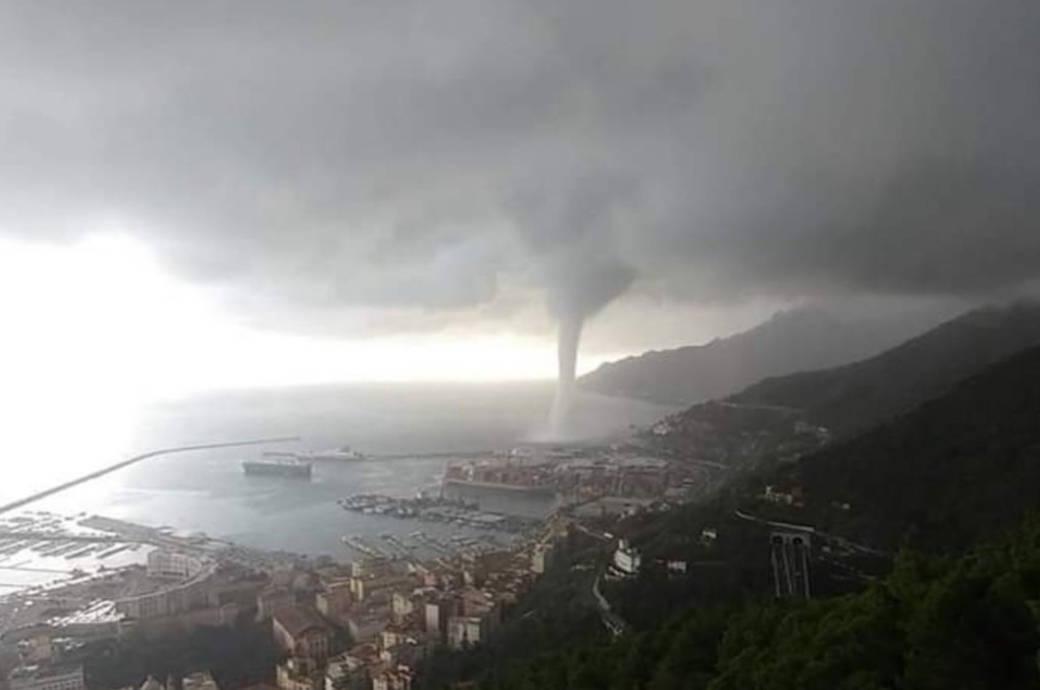 Tornado bewegt sich am Dienstagabend auf die Amalfiküste in Italien zu