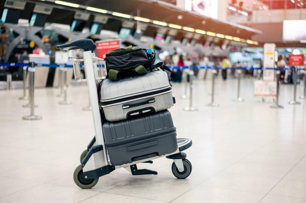 Fluggesellschaften wollen Gepäckstücke künftig in der Banderole mit einem über Funkwellen lesbaren RFID-Chip versehen